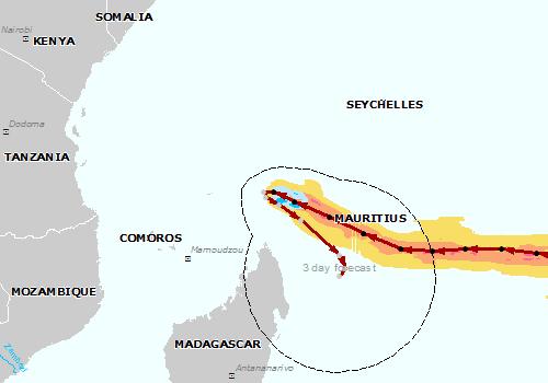 Ocean Indyjski - Olbrzymi huragan Fantala zahaczy o Madagaskar -3