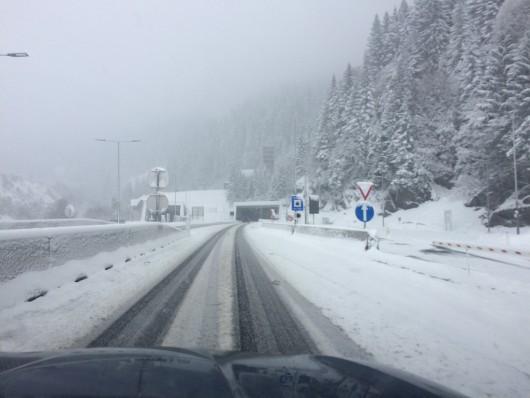 Ogromne śnieżyce w Austrii, dziesiątki tysięcy domów bez prądu -10