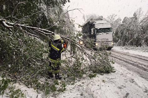 Ogromne śnieżyce w Austrii, dziesiątki tysięcy domów bez prądu -7