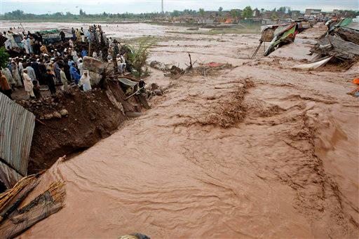 Pakistan - Ulewne deszcze zabiły co najmniej 55 osób