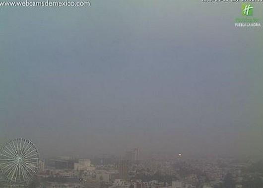 Chmura pyłu po wybuchu wulkanu Popocatepetl