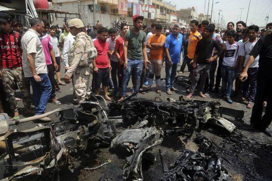 Bagdad, Irak - W trzech zamachach bombowych zginęło co najmniej 88 osób