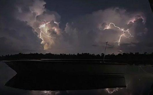 Burza nad jeziorem Maracaibo 2