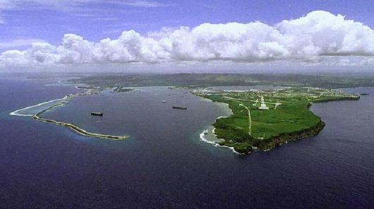Guam - Rozbił się amerykański bombowiec strategiczny B-52H -3