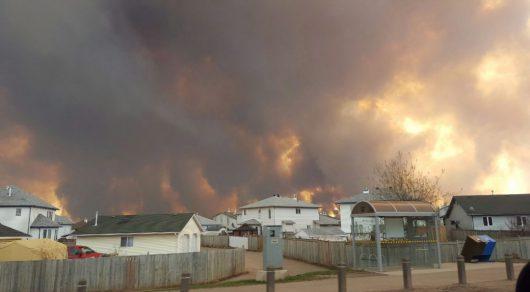 Kanada - Z powodu potężnego pożaru zarządzono największą ewakuację w historii stanu Alberta -3