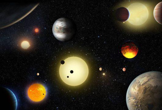 Koncepcja artysty przedstawia wybrane planety pozasłoneczne odkryte przez kosmiczny teleskop Kepler NASA/W. Stenzel