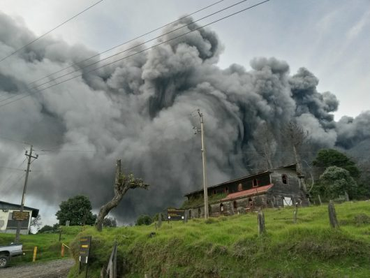 Kostaryka - Największa od 6 lat erupcja wulkanu Turrialba -2