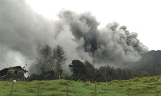 Kostaryka - Największa od 6 lat erupcja wulkanu Turrialba -3
