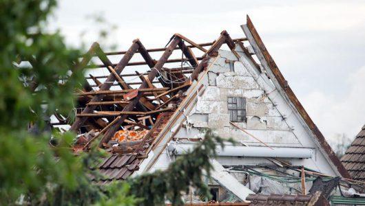Minden, Niemcy - Prawdopodobnie tornado zniszczyło kilka budynków i turbinę wiatrową -3