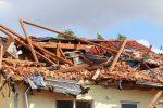 Minden, Niemcy - Prawdopodobnie tornado zniszczyło kilka budynków i turbinę wiatrową -4