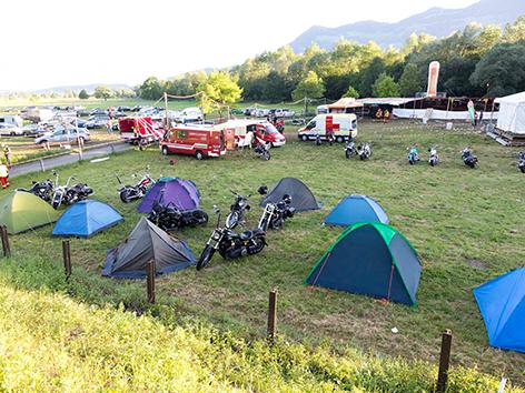 Nenzing, Austria - 27-latek zaczął strzelać do ludzi podczas koncertu -2