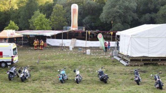 Nenzing, Austria - 27-latek zaczął strzelać do ludzi podczas koncertu