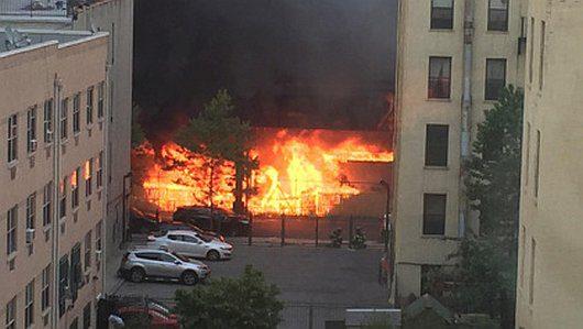 Nowy Jork, USA - Wybuchła cysterna znajdująca się na torach w nadziemnej części metra -1