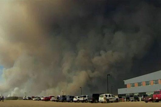 Ogromny pożar w Fort McMurray 4