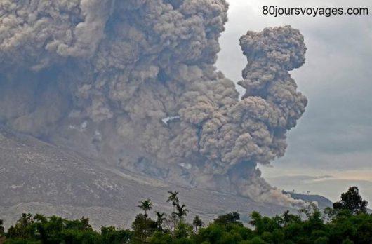 Sumatra, Indonezja - Erupcja wulkanu Sinabung -4
