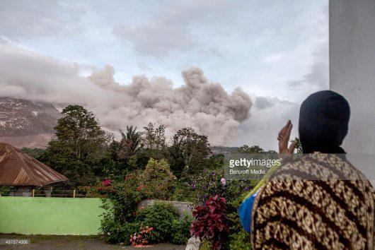 Sumatra, Indonezja - Erupcja wulkanu Sinabung -6