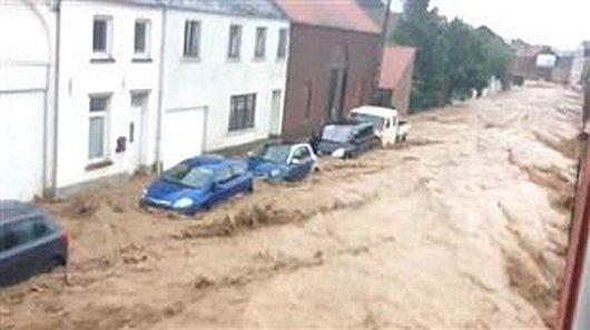 Belgia - Ulewne deszcze i rzeki błota -3