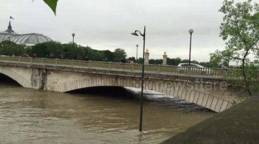Francja - Wydano najwyższy alert pogodowy, w Paryżu poziom wody w Sekwanie jest najwyższy od 34 lat -5