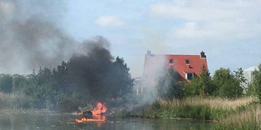 Leeuwarden, Holandia - Zderzyły się dwa myśliwce szwajcarskiego zespołu akrobacyjnego Patrouille Suisse