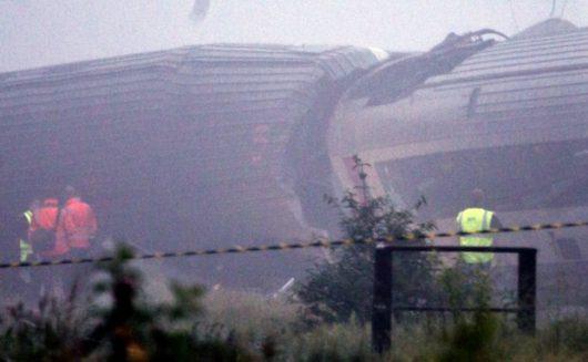 Liege, Belgia - W sygnalizację kolejową uderzył piorun, wkrótce po tym pociąg osobowy wjechał w tył składu towarowego -3