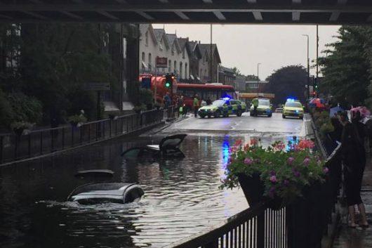 Londyn, UK - W ciągu godziny spadło 35 lmkw deszczu -3