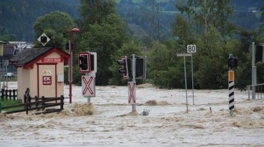 Niemcy - Na południu kraju ogłoszono stan klęski powodziowej -12