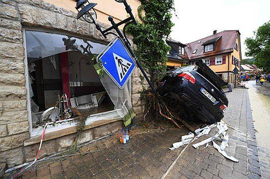 Niemcy - Na południu kraju ogłoszono stan klęski powodziowej -16
