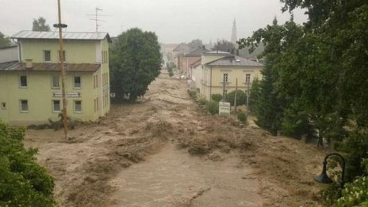 Niemcy - Na południu kraju ogłoszono stan klęski powodziowej