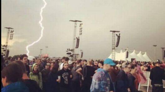 Niemcy - Podczas koncertu rockowego uderzył piorun -3