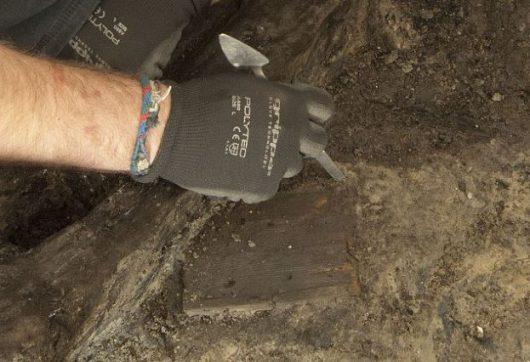 Odkryto 2000-letnie drewniane tabliczki z odręcznym pismem 4