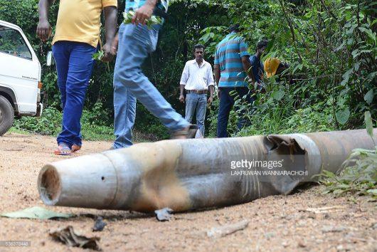 Salawa, Sri Lanka - W jednym z największych w kraju składów amunicji doszło do pożaru i wybuchów -4
