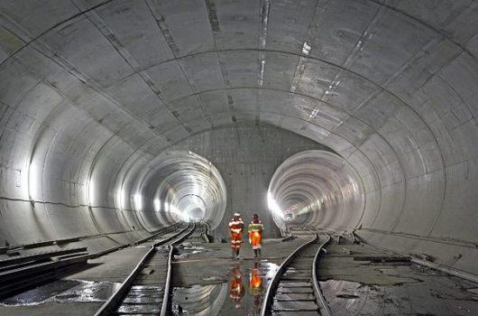 Szwajcaria - Po 17 latach budowy otwarto najdłuższy tunel świata -2