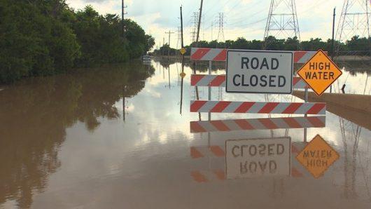 USA - Ulewne deszcze spowodowały powódź w Teksasie -1