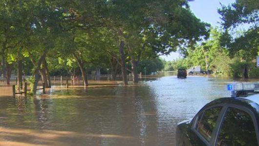 USA - Ulewne deszcze spowodowały powódź w Teksasie -3