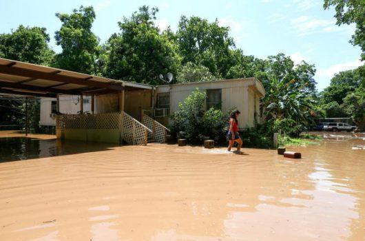 USA - Ulewne deszcze spowodowały powódź w Teksasie -4