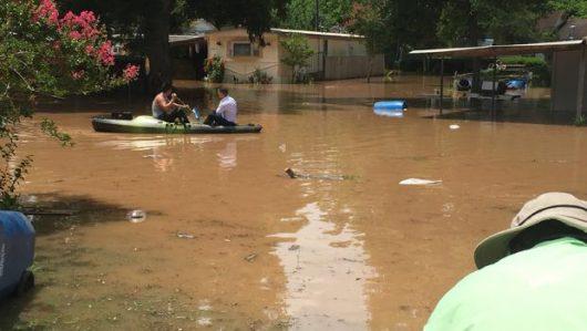 USA - Ulewne deszcze spowodowały powódź w Teksasie -9