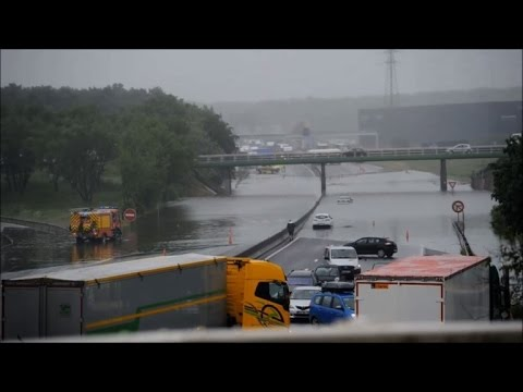 Ulewne deszcze i powodzie we Francji -1