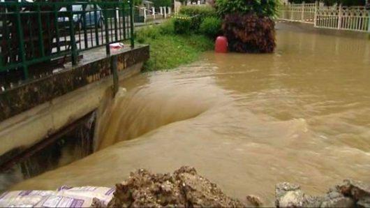 Ulewne deszcze i powodzie we Francji -2