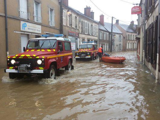 Ulewne deszcze i powodzie we Francji -3