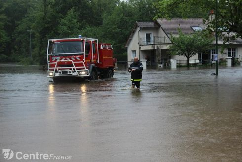 Ulewne deszcze i powodzie we Francji -4