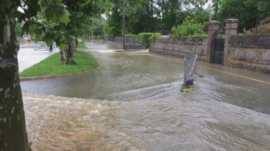 Ulewne deszcze i powodzie we Francji -5