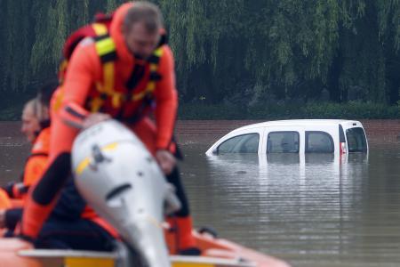 Ulewne deszcze i powodzie we Francji -9