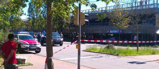 Viernheim, Niemcy - Uzbrojony mężczyzna wtargnął do kina, kilkadziesiąt osób rannych -1