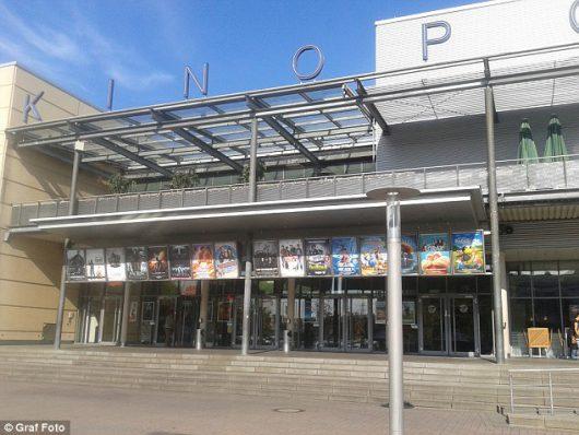 Viernheim, Niemcy - Uzbrojony mężczyzna wtargnął do kina, kilkadziesiąt osób rannych -2