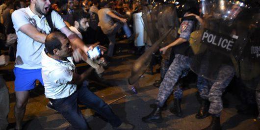 Armenia - Coraz groźniejsza sytuacja w Erywaniu -3