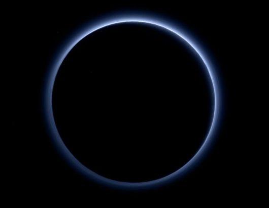 Błękitne niebo Plutona NASA/ JHUAPL /SwRI