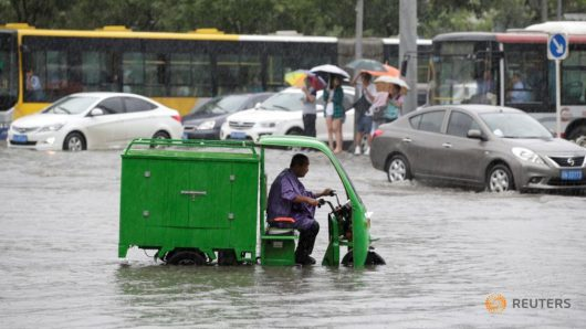 Chiny - Pekin sparaliżowany, pada bez przerwy od kilku dni -11