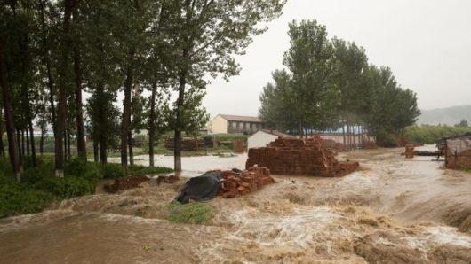 Chiny - Pekin sparaliżowany, pada bez przerwy od kilku dni -16