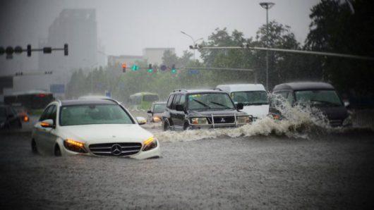 Chiny - Pekin sparaliżowany, pada bez przerwy od kilku dni -19