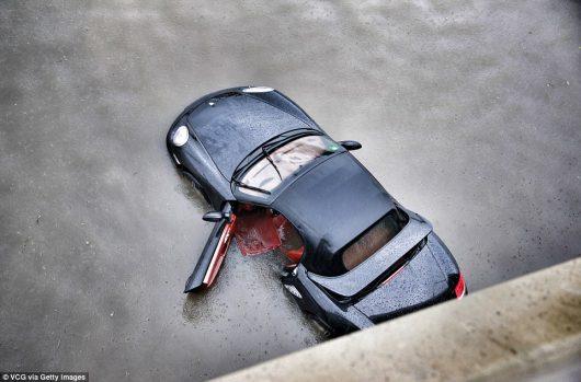 Chiny - Pekin sparaliżowany, pada bez przerwy od kilku dni -3